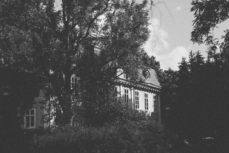 PetraVeikkola-LoveJune_PaganPoetry-34